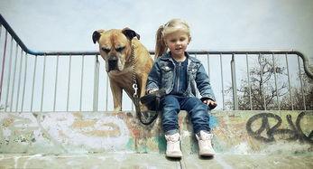 有女人和狗操逼的视频吗-...镜头记录女儿与狗狗亲密瞬间