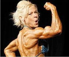 ...亲以健硕肌肉赢健美大赛冠军