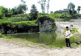 ...子水塘淹死了 怪镇政府没加盖 赔我们40万