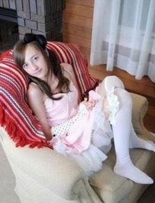 风靡日本宅男的14岁英国女孩
