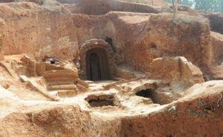 秦皇迷墓-众所周知,皇陵的封土,是用方夯白灰、砂土、黄土掺合成的三合土,...