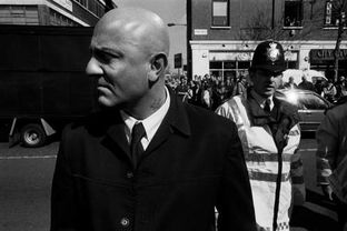 图揭英国黑帮的情色世界