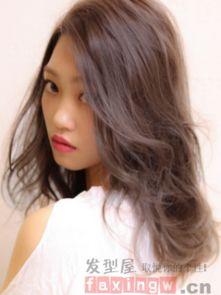 时尚女生长发发型图片 名媛淑女范十足