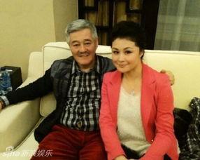 赵本山小姨子于月仙被聘为北影客座教授 穿短裙露美腿 4