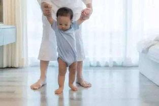 宝宝偏头型 塌鼻梁 小驼背怎么办 你可以这样做