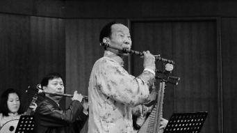 ...国竹笛演奏大师陆春龄 我就是一介吹笛人