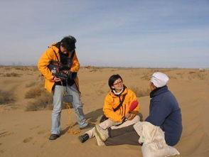 沙漠中采访治沙女英雄-江苏卫视万里寻真情到北京