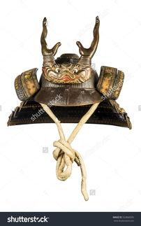 原来古代日本武士士兵牛角头盔完好无损孤立在白色的