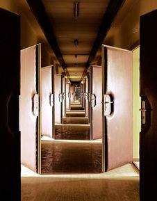 探访东德时期的监狱和审讯室
