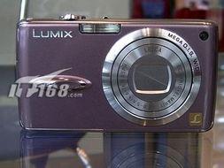 松下FX01配备了一块1/2.5英寸600万有效像素CCD图像传感器,支...