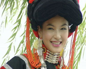 请来欣赏四川大凉山的彝族美女们