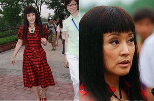 上了年纪的刘晓庆如今越穿越雷人-大鱼奖揭晓 刘晓庆被评年度着装最...