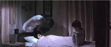 有一段时间开始看鬼片午夜2点自己一个人看恐怖片,这种以前打死都...