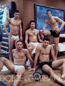...每次参加大赛的意大利队总是被无数女球迷称为意大利男模队,他们...