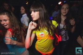 fc2共享免费成人视频-图揭俄罗斯未成年人夜总会