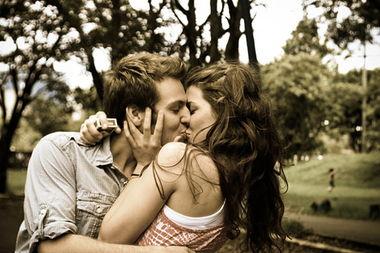 怀念甜蜜时光的情侣亲密图片 等待下一刻的美梦 让我入眠 5