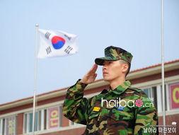 ...于最辛苦的新兵训练期.3月24日,玄彬所属的韩国海军陆战队在官...