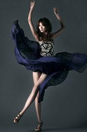 """男人心里的美腿女王地位是无可撼动的.   有""""亚洲第一美腿""""之称的..."""
