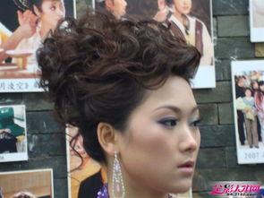 第1张 化妆师张丽 个人作品时尚晚宴妆展示
