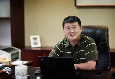 ...云数据董事长兼首席执行官许广彬-华云数据CEO 云服务标准是向行...