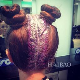 怡红院免费九九色色-那这种彩色装饰发根和什么发型最搭呢?看潮人们po出的照片,她们十...