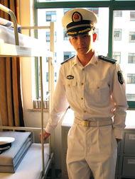 中国的帅哥都当兵去了 组图