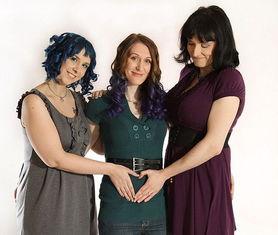 美国3名女同性恋结婚 3人家庭 即将迎来新成员 高清组图
