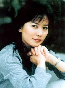...《牵手》在电视剧领域崭露头角.1999年,俞飞鸿凭借古龙剧《小李...