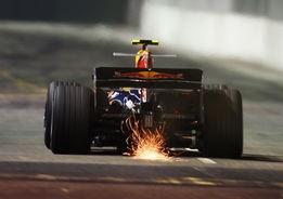...夺,马萨以1分44秒801的成绩夺得了杆位,他亦成为了F1夜间比赛...