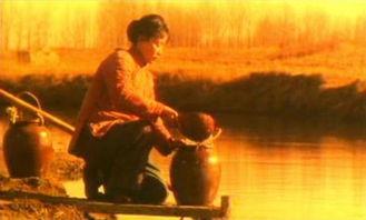 导演严浩执导《太阳有耳》,根据莫言的作品《姑奶奶披红绸》改编,...