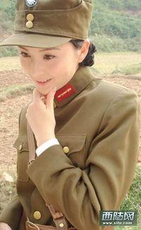 电视剧军服美女集中营 朱茵国军制服照最惊艳