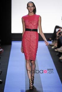 ...夏女装秀大图 视频,海报时尚网带你回味2012春夏纽约时装周