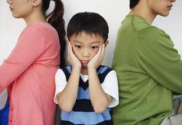 ...架,还是父母和老人不和,对于孩子来讲都是心理上的电闪雷鸣、雨...