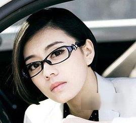 9款戴眼镜的女生适合的短发发型