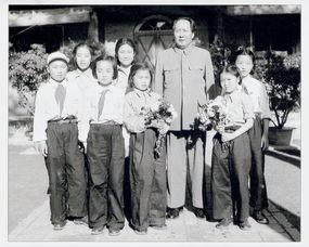 1978年至2000年在中国摄影家协... 中国艺术摄影学会名誉会长、中华...