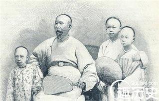 一世为臣-网络配图   原来,这幕僚的父亲曾经在赵舒翘手下做过官,因为贪污受...