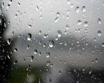 雨中飘荡的回忆