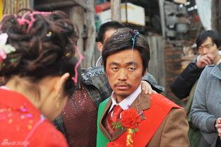 ...娱乐讯 日前,电影《hello,树先生》曝光了一组王宝强谭卓的大婚...