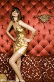金色时尚奢侈美女图片 -金色时尚奢侈美女摄影图 美女一大堆