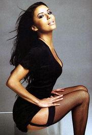 ...裤短裙,秀完美身材,是很多女星的最佳选择.-女星超短裙短裤秀火...