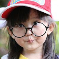 qq头像女生戴眼镜可爱头像