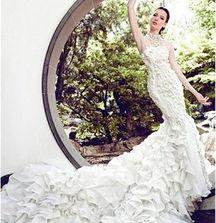 如花 绽放 婚纱 新娘