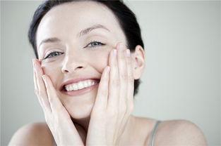 侯老师春季美肤秘诀一:温水洗脸   对于爱过敏的春季来说,不仅要选...