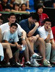 姚明职业生涯受伤全记录 多次受打击浑身是伤痕