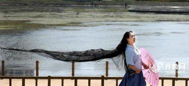 女子留3米长发 只因不服气一句话 头发长见识短
