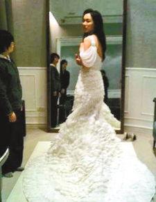 范玮琪黑人大婚在即 范妈妈网上晒女儿婚纱