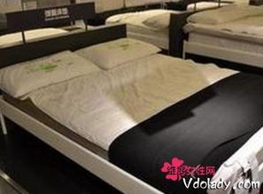 专员证实确为宜家产品-男子买床垫8年睡成渣 客服回应因风化所致