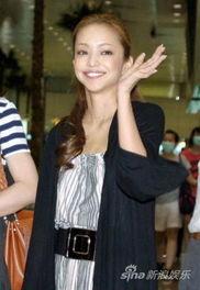 安室奈美惠开唱500场 万名粉丝鼓掌祝贺新闻频道