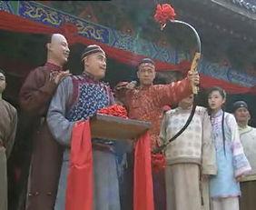 中央集权,巩固刘氏王朝的统治.但在吴楚叛乱的危急时刻,景帝却亲...