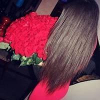 qq头像女生手拿一玫瑰